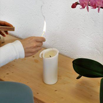 Yogavaras Kursraum Kerze